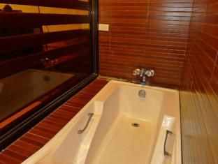 Mountain's Bay Guest House and Spa Puerto Princesa City - Suite Jacuzzi