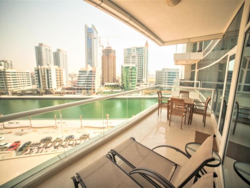 Beautiful 2 Bedroom With Scenic Marina Views