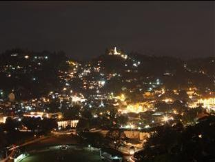 Peak Residence Kandy - Night view from the Hotel