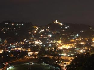 Peak Residence Kandy - Night View