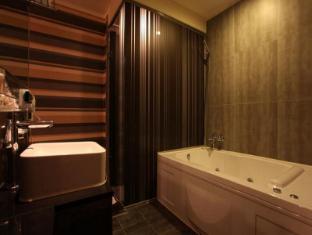 Nox Boutique Hotel Seoul - Bathroom