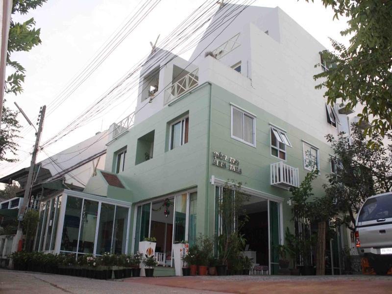 ที่พักง่ายๆ เชียงใหม่ บุปผาธารา โฮเต็ล (Chiangmai Bupatara Hotel) รีบจอง