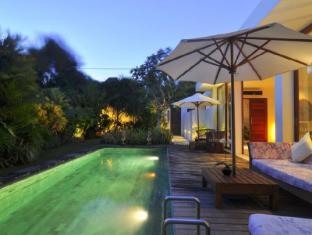 Villa Thila Bali - Piscina