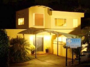 Azura Beach House Bed & Breakfast