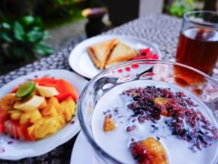 Desak Putu Putera Homestay Bali - Jedzenie i napoje