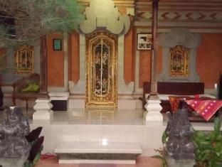 เดแซคปูตูปูเทร่าโฮมสเตย์ บาหลี - ระเบียง