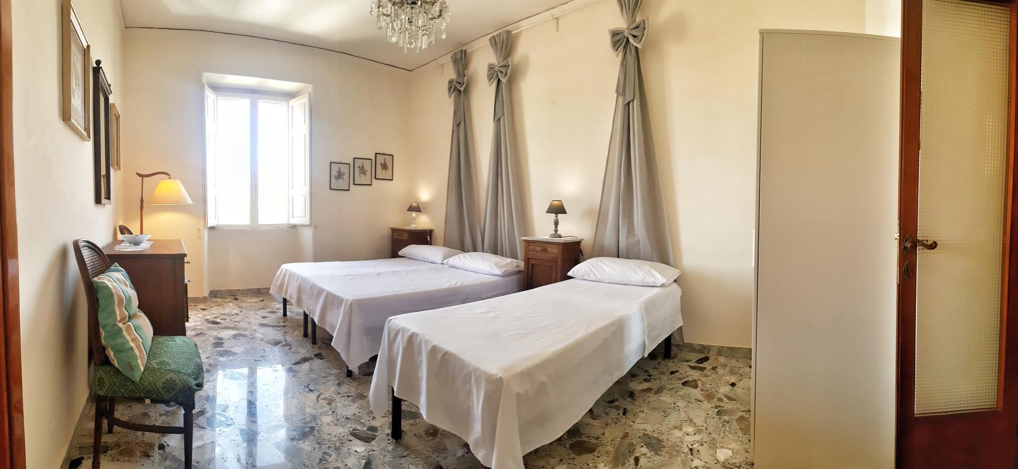 FINEST EMPEROR'S APARTMENT IN THE HEART OF ROME