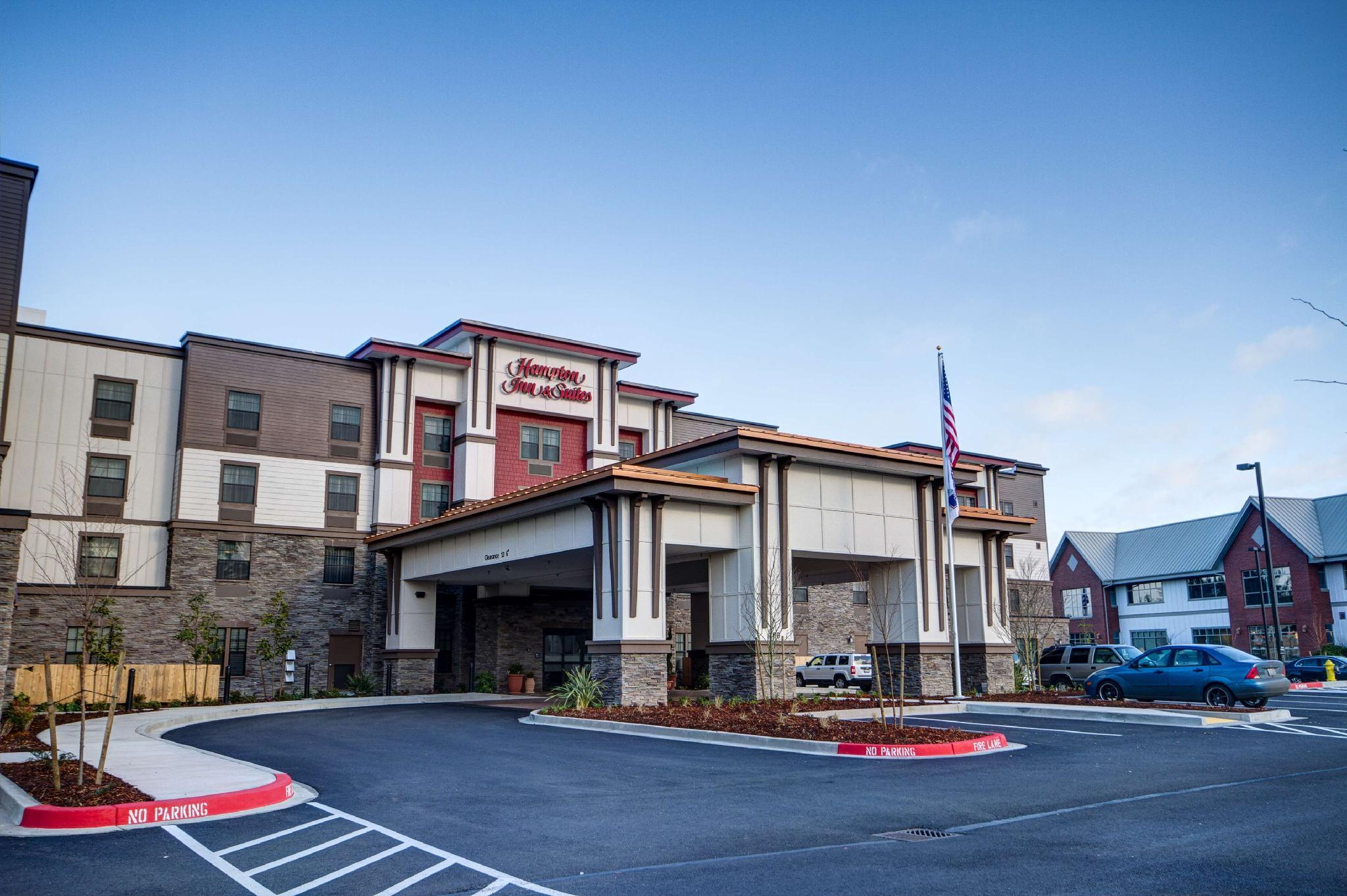 Hampton Inn And Suites Dupont