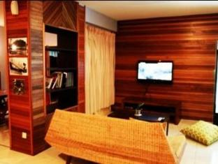 Planet Borneo Lodge Kuching - Living Room