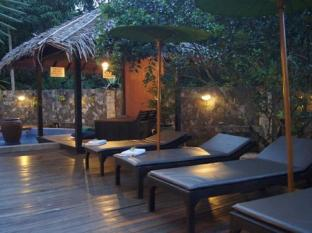 Planet Borneo Lodge Kuching - Swimming Pool