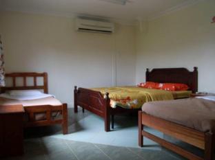 Planet Borneo Lodge Kuching - Bario - Standard Family Room