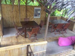 Planet Borneo Lodge Kuching - Longhouse Lounge