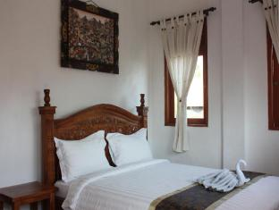Teba House Ubud Guest House Bali - Deluxe Bed Room