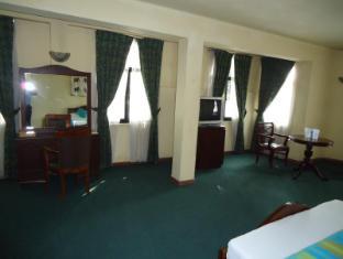 Indra Regent Hotel Colombo - Standard Room Interior