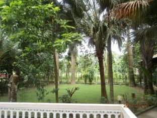 Hotel Parkside Читван - Вид