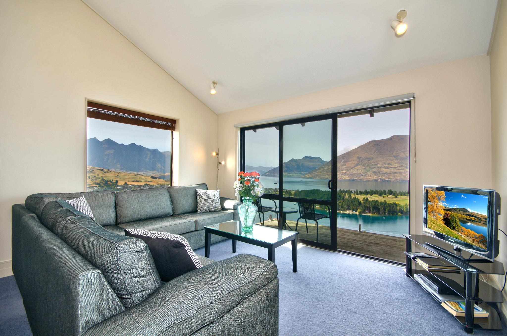 The Eagles Nest   Queenstown Holiday Home