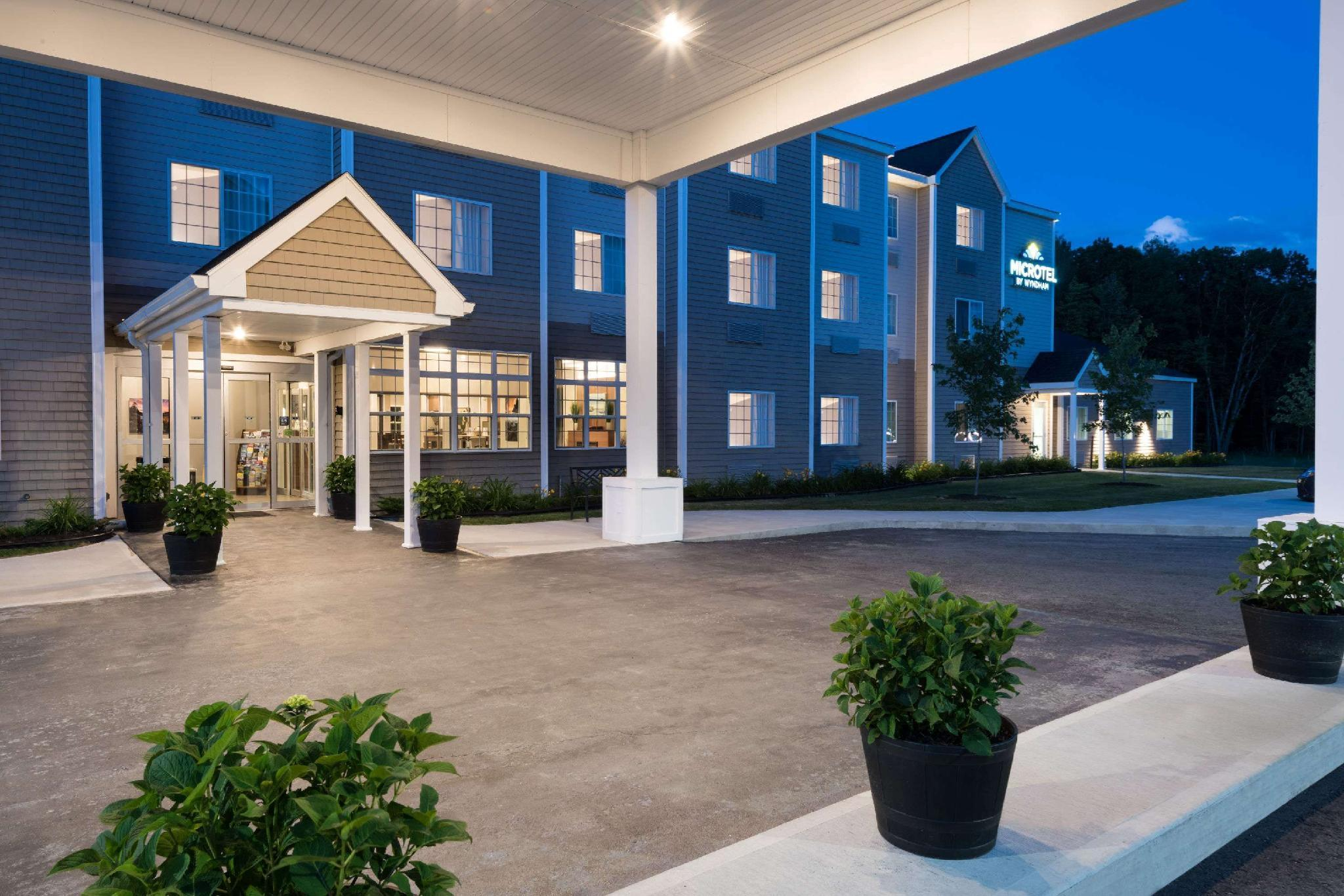 Microtel Inn And Suites By Wyndham Windham