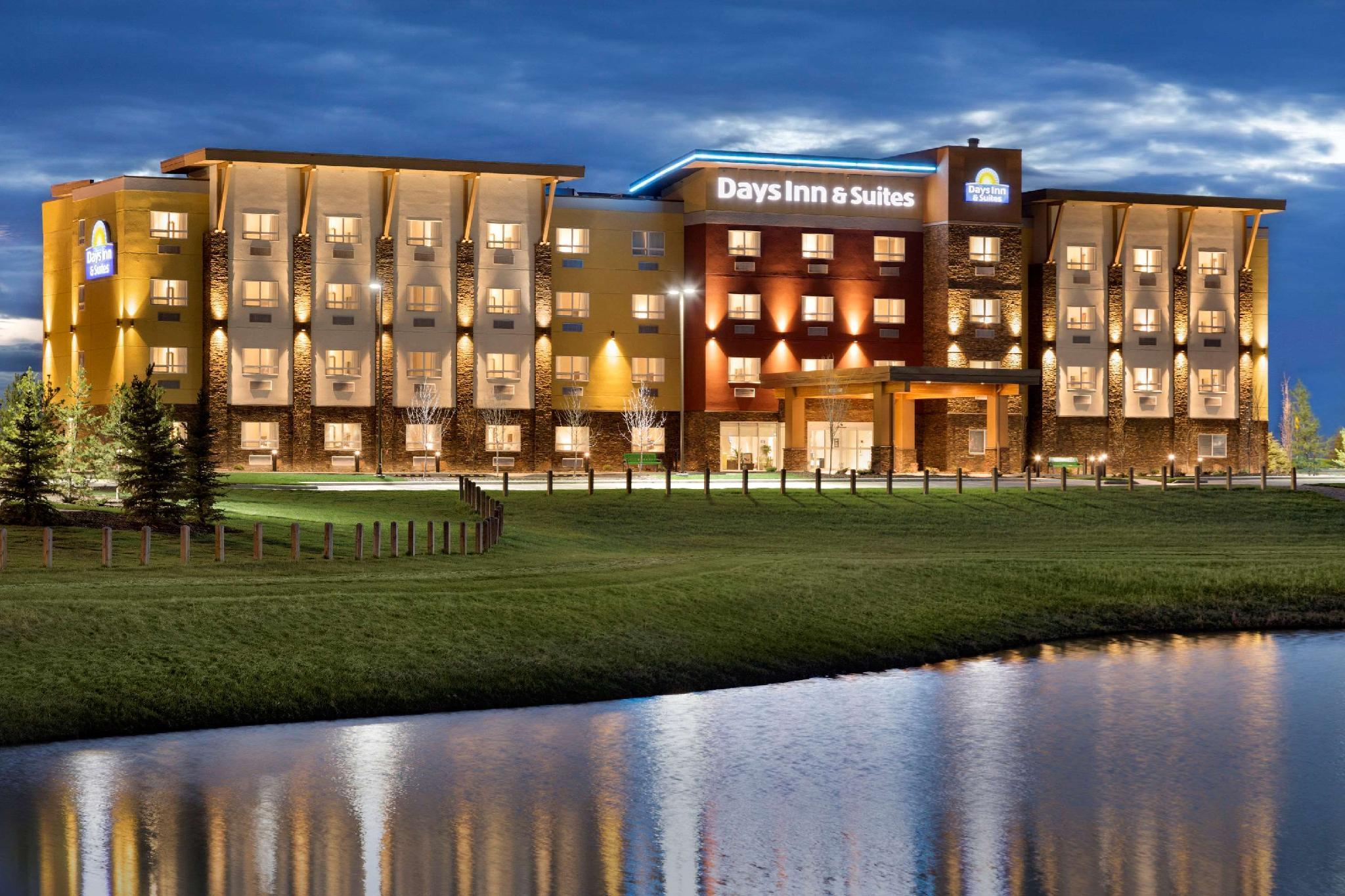 Days Inn And Suites By Wyndham Airdrie