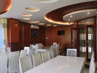 Henry Hotel Rach Gia (Kien Giang) - Restaurant