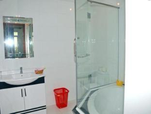 Henry Hotel Rach Gia (Kien Giang) - Bathroom