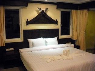 Atlas Hotel Cafe' & Bar Phuket - Superior room