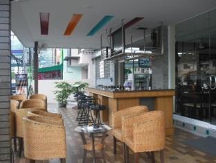 Atlas Hotel Cafe' & Bar Phuket - Bar
