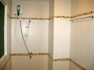 Atlas Hotel Cafe' & Bar Phuket - Guest room - Bathroom