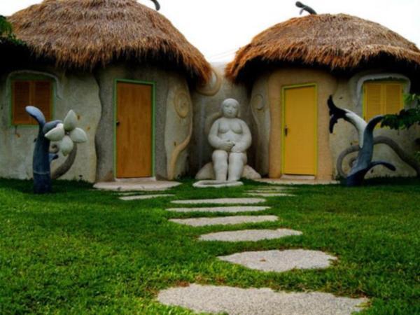 Naidee Sculptured Huts @ Vic Hua Hin Hua Hin