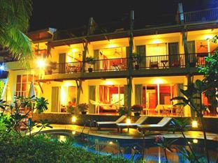Layalina Hotel Phuket Phuket - Hotel Exterior at Night