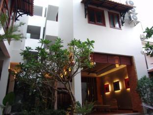 Frangipani Fine Arts Hotel