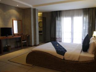 Frangipani Fine Arts Hotel Phnom Penh - Suite