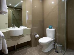 Quest Bondi Junction Serviced Apartments Sydney - Bathroom