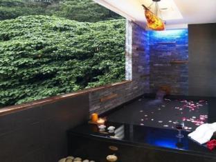 Golden Hot Spring Hotel Taipei - Bathroom