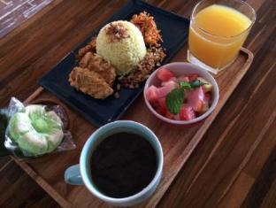 Grandmas Seminyak Hotel Bali - Breakfast