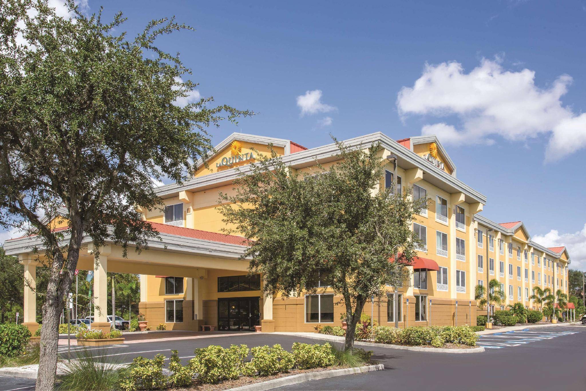La Quinta Inn And Suites By Wyndham Sarasota   I75