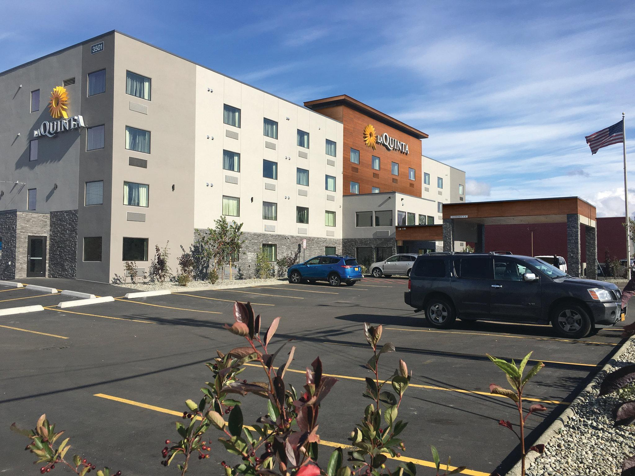 La Quinta Inn And Suites By Wyndham Anchorage Airport