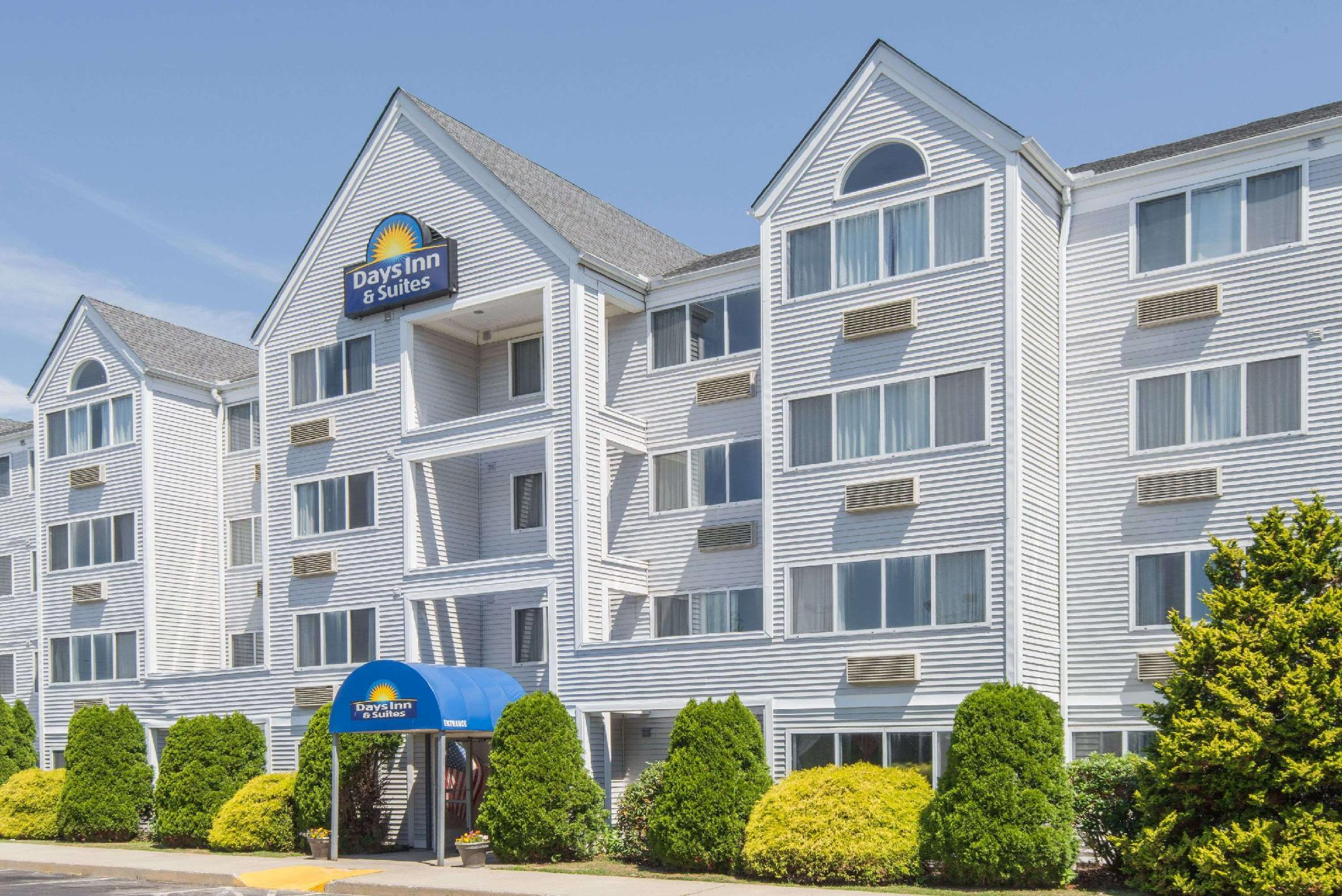 Days Inn And Suites By Wyndham Groton Near The Casinos
