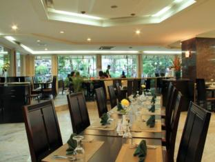 Danau Toba Hotel International Medan - Terrace Cafe