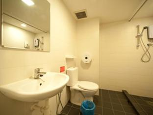 Mirama Hotel Kuala Lumpur Kuala Lumpur - Bathroom - Luxury Triple Room