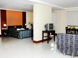 Cherry Blossoms Hotel Manila Manila - Süit Oda