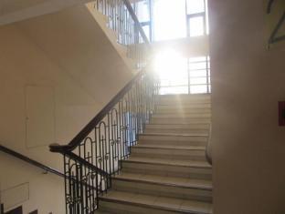 Maya Residence Inn Manila - Stairs