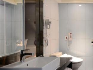Paihsuan Hotel Taipei - Bathroom