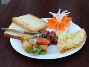 Hotel Trekkers Inn Pokhara - Morning Breakfast