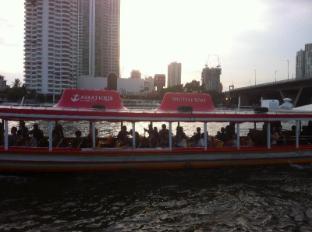 Escape Non-Smoking Boutique B&B Bangkok - The river.
