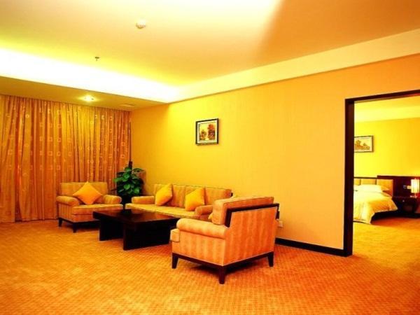 YiFeng Business Hotel 5