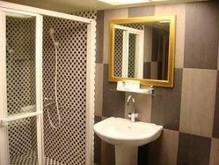 PM Hotel Kaohsiung - Bathroom