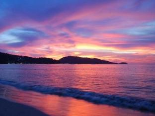 Patong Beach Bed and Breakfast Phuket - Beach