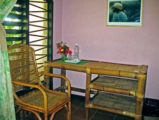 Ravenala Resort Moalboal - Standard Room
