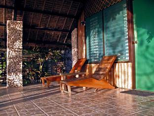 Ravenala Resort Moalboal - Seaview Room Veranda