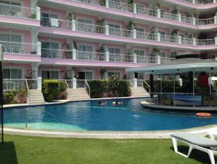 Wild Orchid Resort Angeles / Clark - Swimming Pool